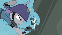 Maud reducing boulder to pieces S4E18