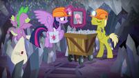 Miner pony shaking his head S9E5