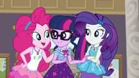 "Pinkie Pie ""look at Maud!"" EGDS1"