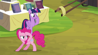 Pinkie Pie looking for witnesses S4E22