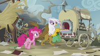 Pinkie asks Gilda for help to save Rainbow S5E8
