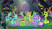 Ponies and changeling look at Changeling 3 S7E17