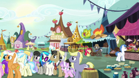 Ponies in line to buy Mares Day flowers S7E19