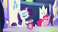 Potion drink levitated in front of Rarity S5E22