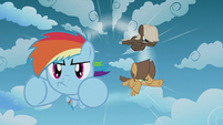 Rainbow Dash pulls into the lead S5E25