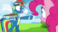 Rainbow Dash telling Pinkie Pie to look out S7E23