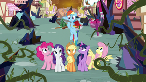 Rainbow brings gardening tools to her friends S9E2
