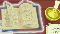 Star Swirl's journal pages flipping S7E25