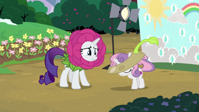 File:Sweetie Belle removing her costume S7E6.png