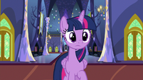Twilight surprised by what she sees S8E21