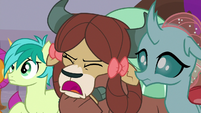 Yona -yak not do this!- S8E16