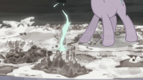 A portal begins to form on the Cutie Map S5E26