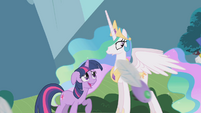 Celestia watches parasprite parade in bewilderment S1E10