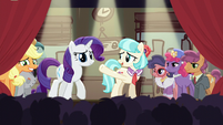 Coco welcomes Applejack and Rarity to the stage S5E16