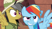Daring Do confused; Rainbow Dash smirking S6E13