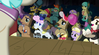 Manehattan ponies applaud Applejack and Rarity S5E16
