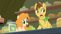Pear Butter smiles at Bright Mac as Grand Pear shouts S7E13
