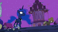 Ponies run around Luna S2E04