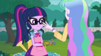 Principal Celestia gives Twilight the greenhouse keys EGDS8