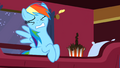 Rainbow Dash Popcorn 3 S1E21.png