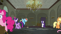 Rarity's friends help cleaning up the boutique S6E9
