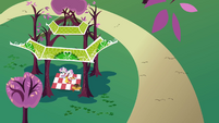 Sweetie Belle Gazebo S2E17