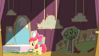 Apple Bloom walking on the stage S4E05