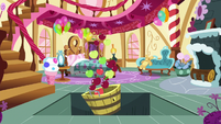 Applejack's apples fall through the trapdoor S7E23