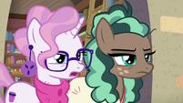 Bookstore Pony 1 answering -no!- S8E8