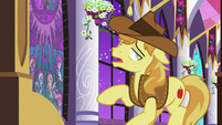 Braeburn about to collapse S9E17