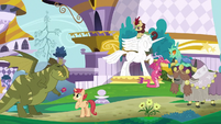 Many creatures living together in Canterlot S9E26