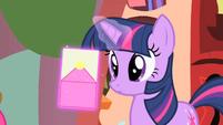 Opening envelope S01E25