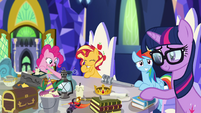 Pinkie Pie greeting pony Sci-Twi EGSB