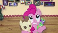 Pinkie Pie hugging Pound Cake and Gummy BFHHS3