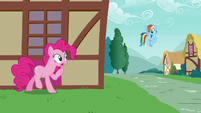 Pinkie Pie pretending to be in trouble S7E23
