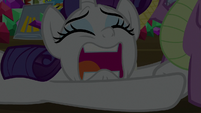 Rarity pleading at Spike's feet S9E19