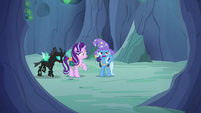 Trixie calling out to Discord Changeling S6E26
