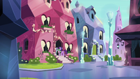 Twilight standing in the Crystal Pony's doorway S3E1