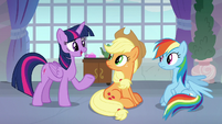 Twilight talking to Applejack and Rainbow S8E9
