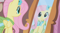 Fluttershy looks at herself in the mirror S1E14