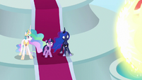 Princesses see Cozy's magic incoming S9E24