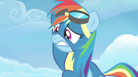 Rainbow Dash mortified by her parents' appearance S7E7