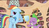 Rainbow and Spike S2E20