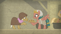 Somnambula gives bread to elderly mare S7E18