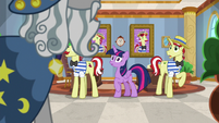 Star Swirl enters Flim and Flam's office S8E16