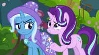 Starlight compares Thorax and Pharynx's eye shapes S7E17