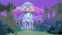 Treehouse of Harmony at night S9E7