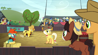 Young Trouble Shoes watching a rodeo S5E6