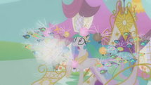 640px-Twilight imagines Celestia attacked by parasprites S1E10