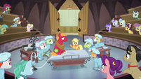 Applejack confesses the truth to Filthy Rich S6E23